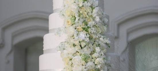 Tiered Extravagant Wedding Cake