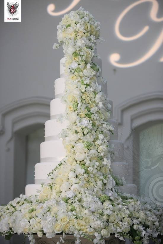Tiered Extravagant Wedding Cake