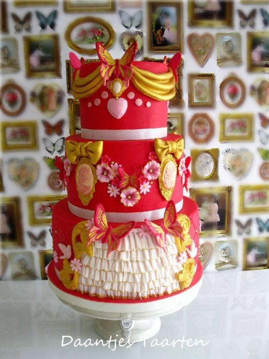 Kitsch Wedding Cake