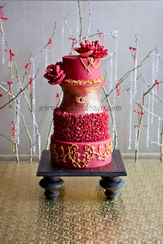 LOVE Locks adn Keys Wedding Cake