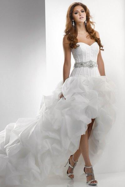 Lushes italian wedding dresses inspire for a true celebration for Wedding dresses made in italy