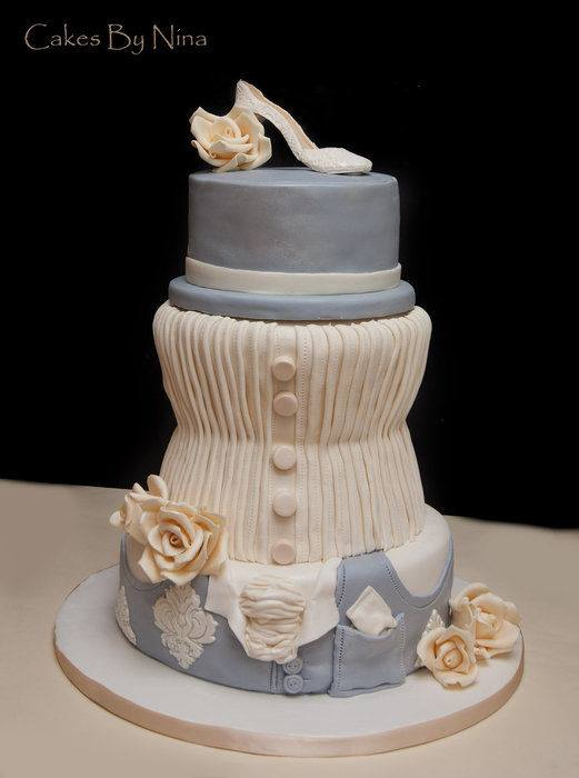 wedding outfit cake
